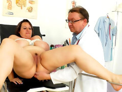 Mature bbw babe olena doing a medical..