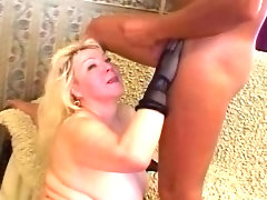 Mature blonde bbw sucks and gets..